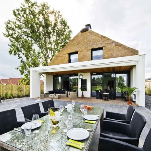 House in the Netherlands 2 House in the Netherlands: Modern with a Hint of Traditional
