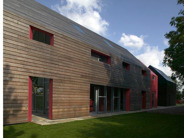 Modern Barn House Slides 4