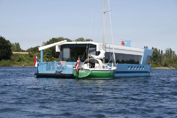 Qrooz Yacht 15