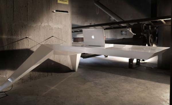 desk ela Futuristic desk that seems to be levitating