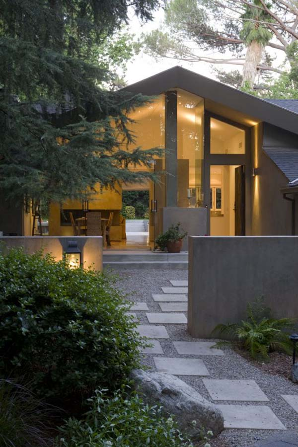 garfield 27 Surprising renovation of an 80`s home in California