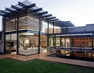 Harmonious modern residence in South Africa