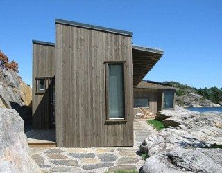 Small Contemporary Cottage on the Shore in Norway (Buholmen Cottage by SKAARA Arkitekter AS)