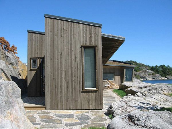 Buholmen Cottage by SKAARA Arkitekter AS 1 Small Contemporary Cottage on the Shore in Norway (Buholmen Cottage by SKAARA Arkitekter AS)