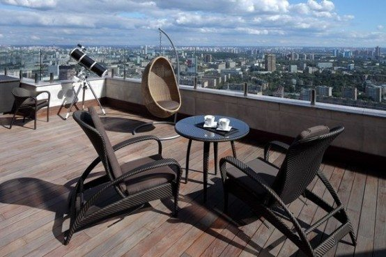 Luxury penthouse apartment overlooking the center of moscow for Luxury balcony design