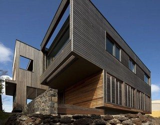 Wood Cladded Home by Farnan Findlay Architects (Port Fairy House 2)