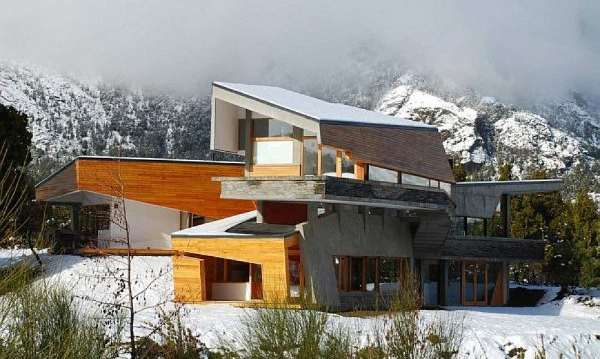 Amazing Architectural Home in Argentina by G2 Estudio (Ribbon House)