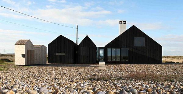 Shingle House by NORD Architecture 1 Monolithic Black Cladded Vacation Home in England (Shingle House)