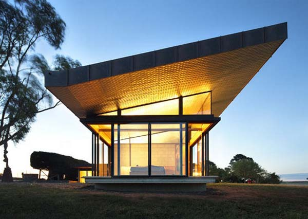 farmhouse 4 Old farm transformed into a contemporary residence in Australia