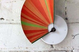 Manifold wall clock from Studio Ve shows time in 3D