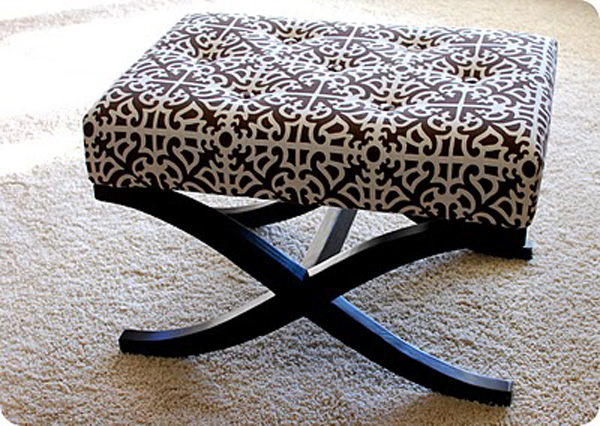 Modern upholstery fabrics for a cool interior for Telas para tapizar sillas comedor