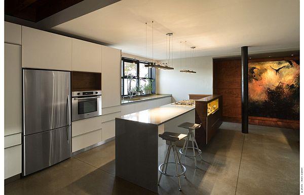Contemporary Home (U-House) 11