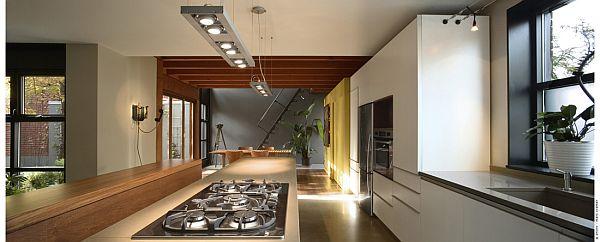 Contemporary Home (U-House) 12