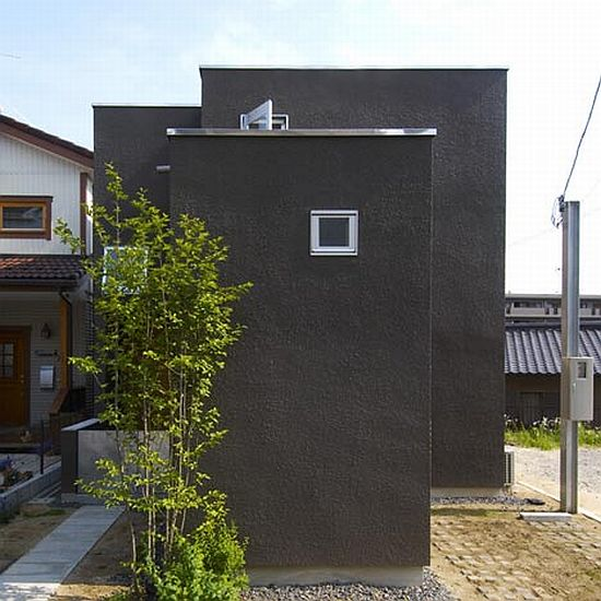 Family house in Japan 1 Modern Family House in Japan (80.84 House)