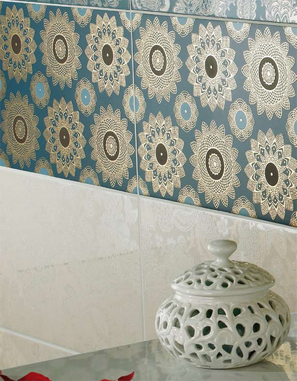 via 3 Opulent bathroom tiles by Ceramica Lord
