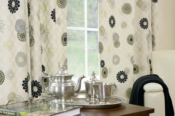 10 modern curtain interior designs for Modern kitchen curtains ideas