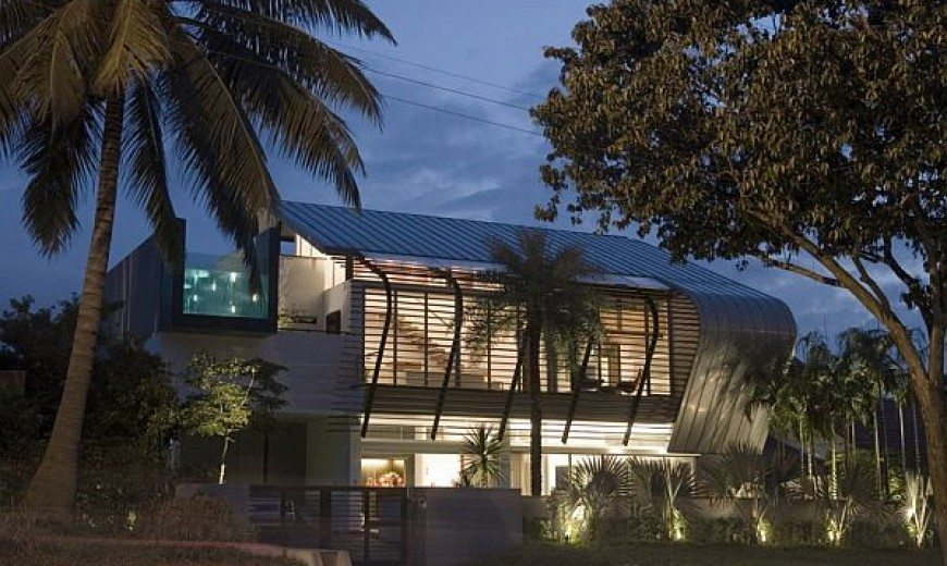 Contemporary residence for a large family in Singapore (Changi Bungalow)