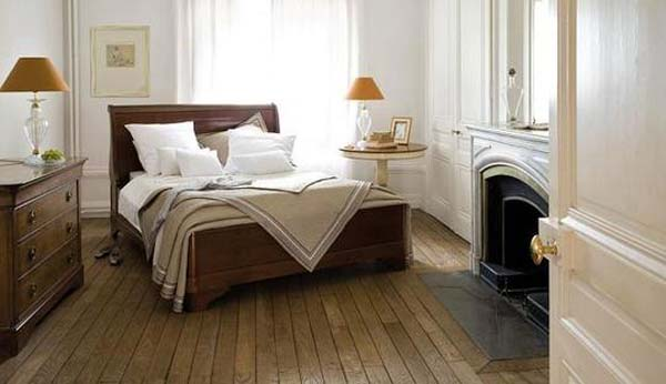 Modern or contemporary bedrooms sleigh beds - Bedroom with mattress on the floor ...