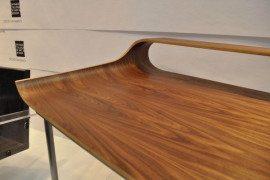 Slender industrial design: the Continue Desk