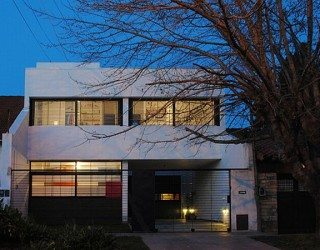 Modern home in Argentina developed by Ballesteros Architects (Casa Dorrego)