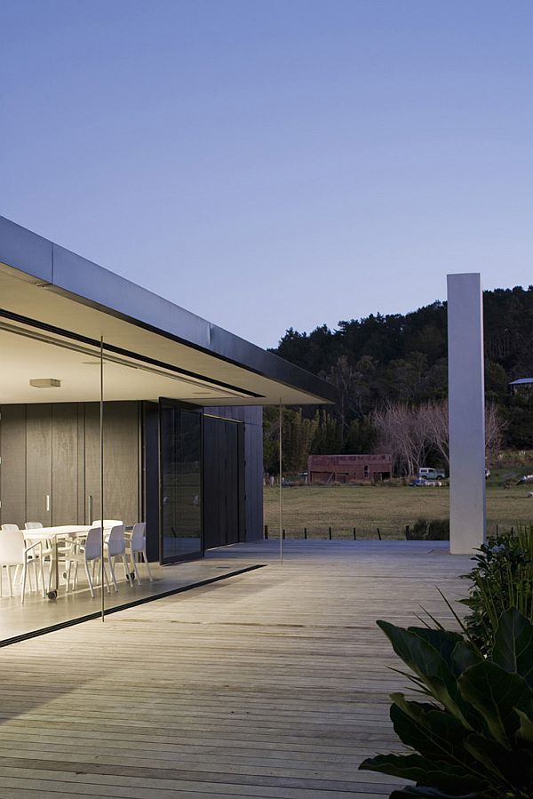 Contemporary vacation home in New Zealand 4