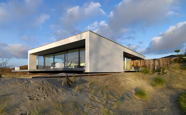 Minimalist modern house plans by bittoni design studio - Beach Inspired Residence In Breda Netherlands By Grosfeld