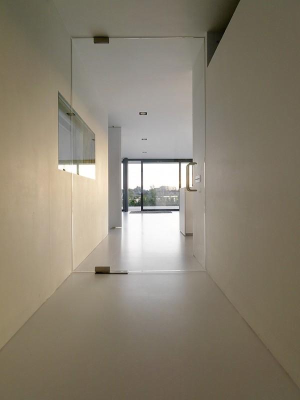 House-by-Grosfeld-van-der-Velde-9