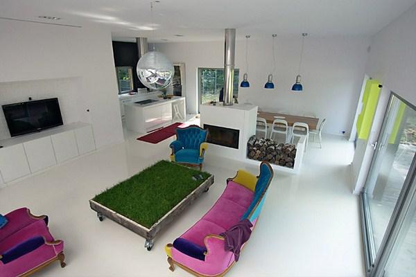 NeostudioArchitekci home in Poland 3 White, bright and featuring colourful furniture: House near Poznan by Neostudio Architekci