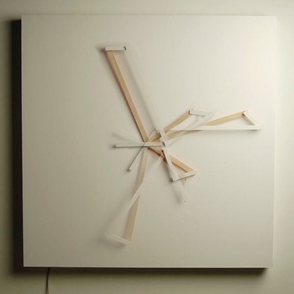 Oblique Clock 2 Fascinating clock tells time in an artistic way: the Oblique Clock