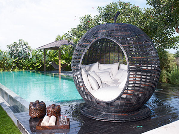 apple1 Sophisticated relaxation in the Iglu Apple wicker daybed