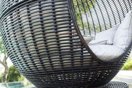 Sophisticated relaxation in the Iglu Apple wicker daybed