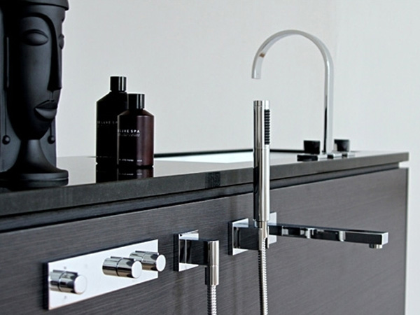 be8 Cool modular bathroom furniture suite