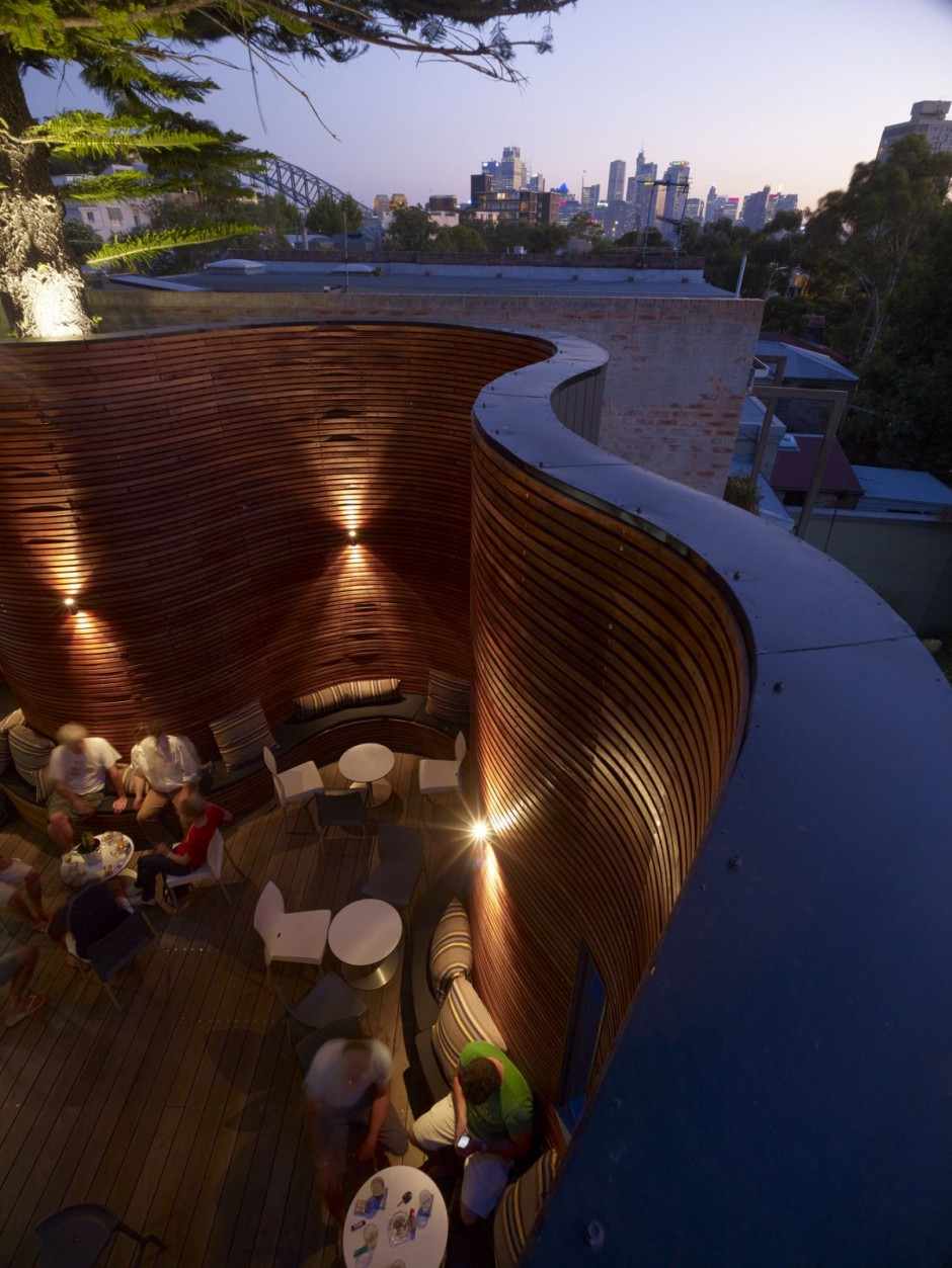blues1 Sydney Hotel terrace with spectacular wood design
