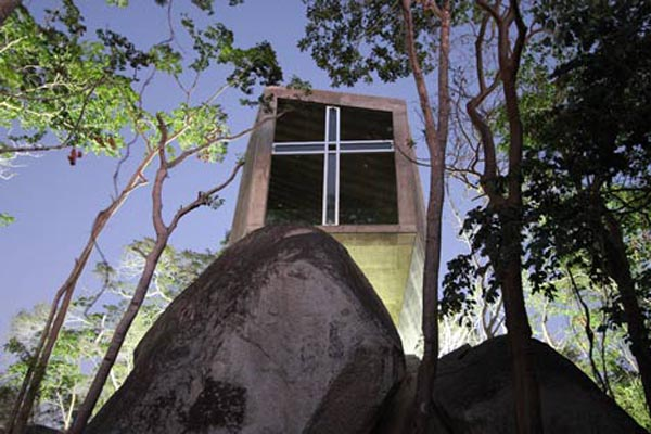 bnkr14 Concrete and sunset: fascinating chapel in the forest