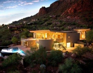 Luxurious Arizona family residence with fantastic landscaping