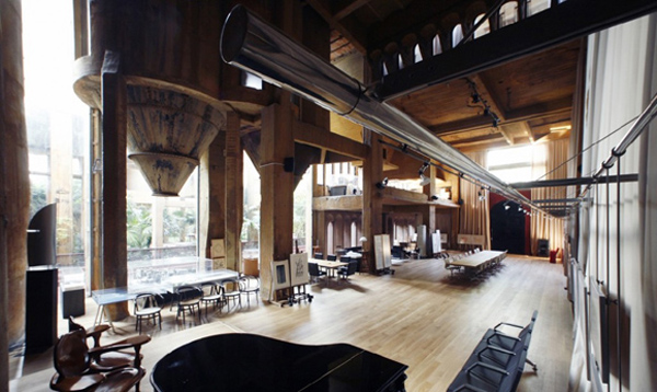 Turning an old cement factory into an incredible residence - Old cement factory turned home ...