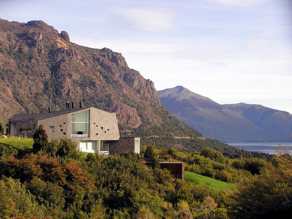 s15 Fabulous contemporary mountain villa above the Patagonian Valley