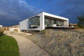 Beach inspired residence in Breda, Netherlands by Grosfeld van der Velde studio