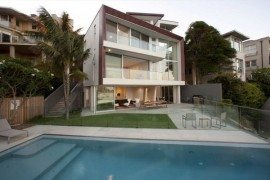 Amazing residence built on a slope: the Point Piper House by Popov Bass Architects