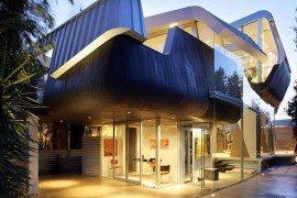Undulating Residence in Venice Beach