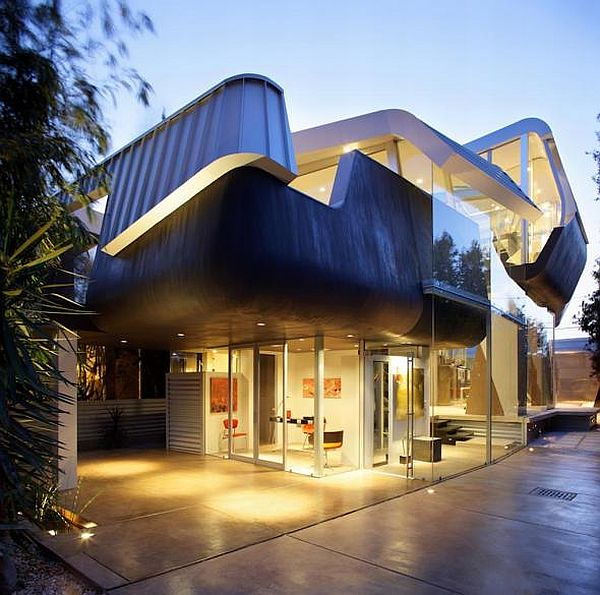 undulating residence in Venice Beach 1 Exceptional undulating residence in Venice Beach by Anthony Coscia