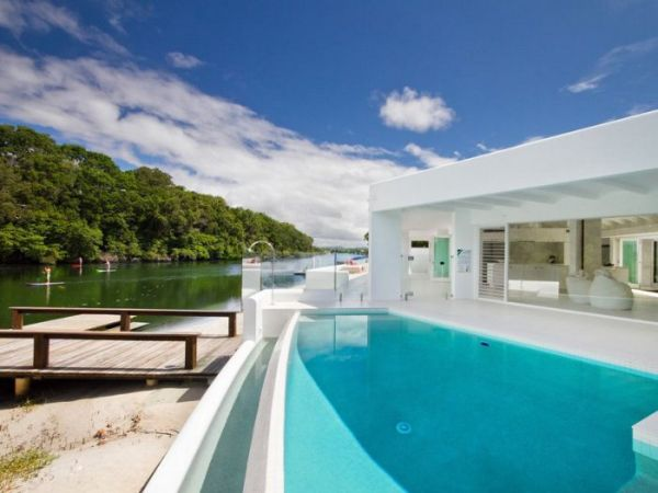 Breathtaking Holiday House On The Noosa River