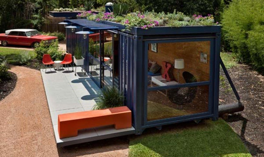 Intelligent guest accommodation: Container Guest House by Poteet Architects