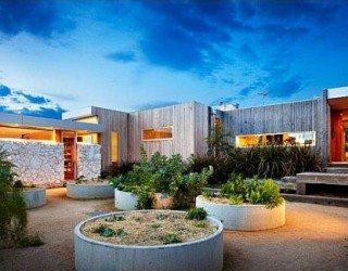 Contemporary House on Australia's Ocean Coast