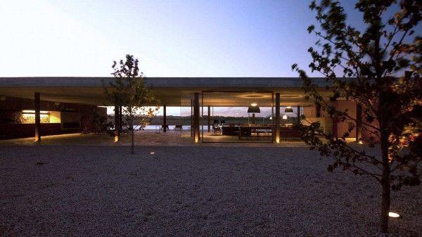 Punta-House-by-Marcio-Kogan-5
