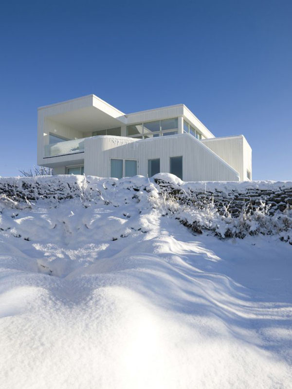 Villa G by Saunders Architecture Norwegian residence featuring bright interior design by Saunders Architecture