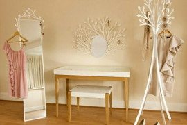 Feminine and naive design dressing room furniture from Eden