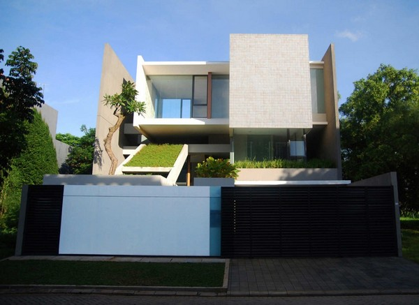 tan1 Minimalist white and green residence in Indonesia