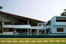 Contemporary asymmetrical residence overlooking the Arabian Sea Coast