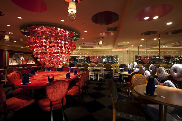 Alice in Wonderland Restaurant (4)